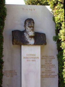 576px-Zentralfriedhof_Vienna_-_Boltzmann 2